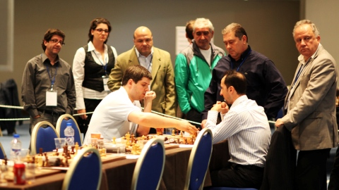 Svidler and Topalov analysing the endgame